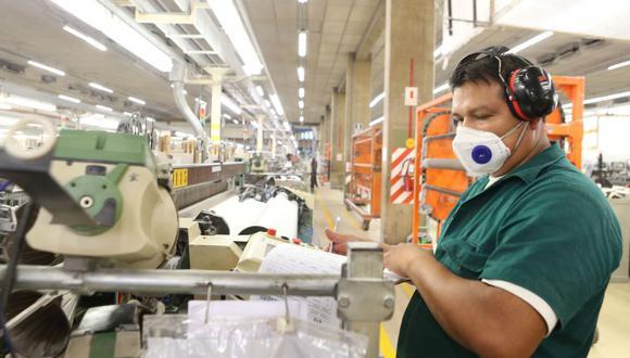 Ante la expansión de los períodos de paralización de las actividades económicas, se permitió otro tipo de compensaciones de horas no trabajadas y aprobó la suspensión perfecta de labores. (Foto: Andina)