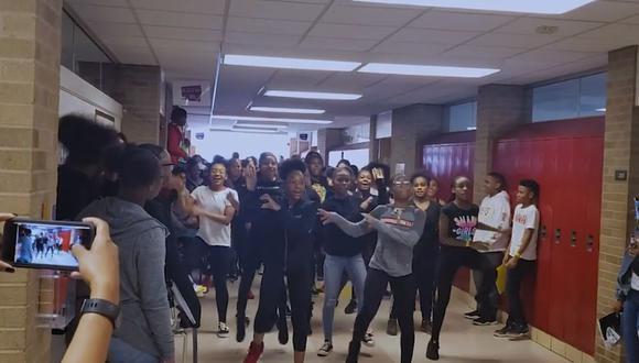 Alumnos de un colegio secundario de Estados Unidos hicieron una espectacular coreografía de 'Thriller'   Foto: Captura de video Facebook
