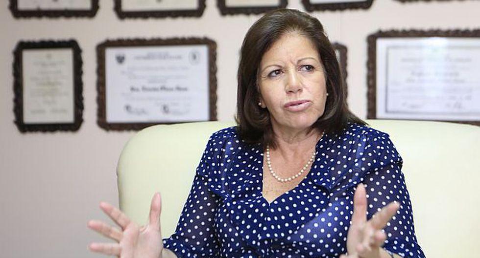 """Eguren: Lourdes Flores tiene """"grandes posibilidades"""" en el 2021"""