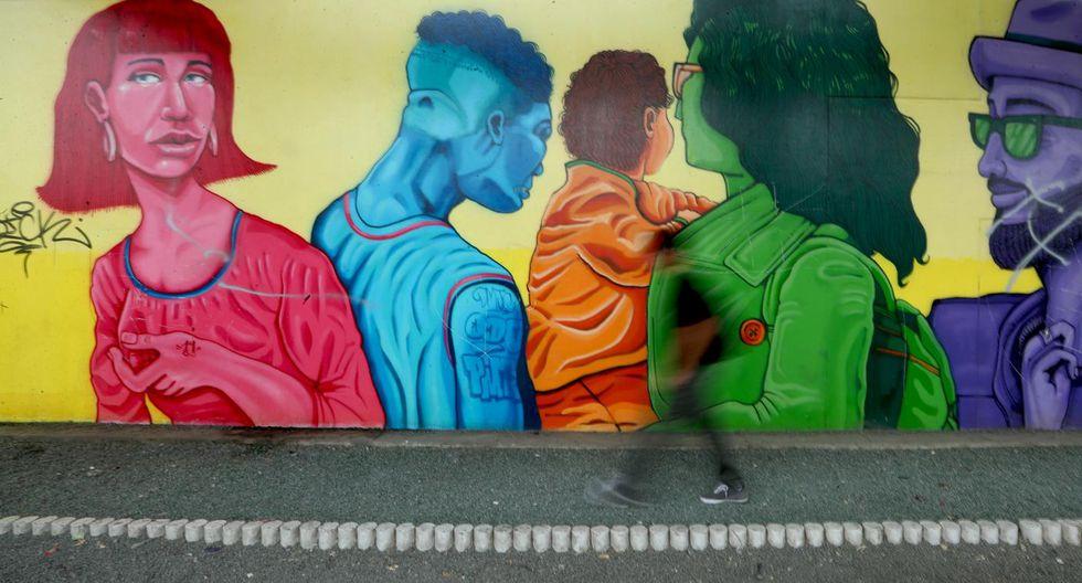 La convocatoria para pintar murales se realiza por redes sociales. Pasan filtros por dos filtros para la evaluación de bocetos. (Foto: Alessandro Currarino)