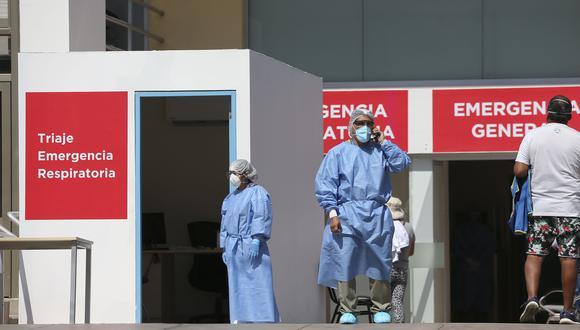 26 clínicas: 20 clínicas en Lima y 6 en provincia, firmaron el acuerdo de intercambio prestacional con el gobierno paar la hospitalización de casos graves de COVID-19 con tarifa plana. (Foto: Manuel Melgar/SIS)