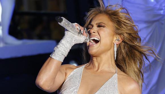 "Jennifer López tras interpretar ""Dream On"" en el New Year's Rockin' Eve. (Foto: Gary Hershorn / POOL / AFP)"