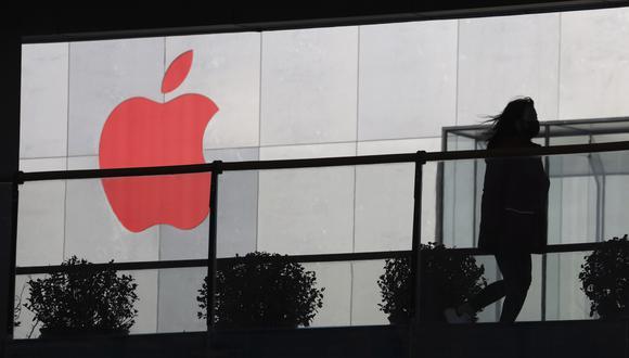 Apple recortó a US$84.000 millones su pronóstico de ingresos para su primer trimestre fiscal, que concluyó el 29 de diciembre, por debajo de las estimaciones de analistas de US$88.050 millones. (Foto: AP)