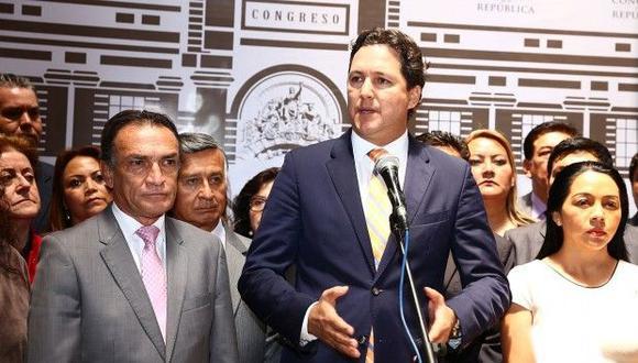 No solo en Fuerza Popular se ha puesto en duda la aceptación de la renuncia de PPK. Alberto Quintanilla, portavoz de Nuevo Perú, se ha expresado en el mismo sentido. (Foto: Congreso)