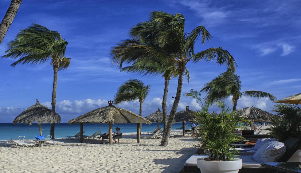 La playa Eagle Beach de Aruba es una de las más conocidas.  (Foto: GettyImages).