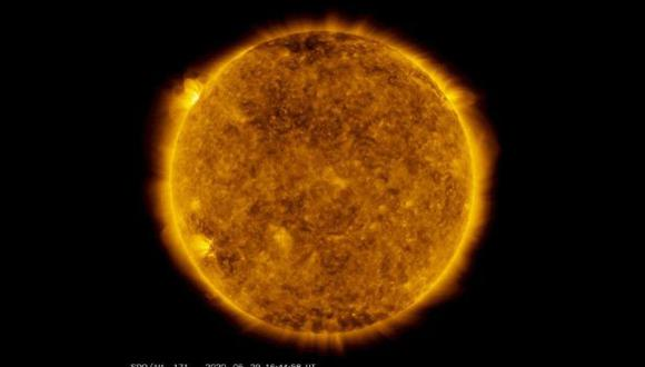 La erupción solar se puede ver al costado superior izquierdo de la imagen. (Foto: NASA/Solar Dynamics Observatory/Joy Ng)