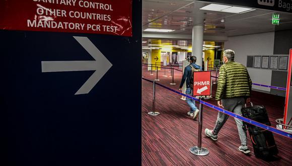 Francia exigirá tests PCR a viajeros europeos que ingresen al país. (Foto: Martin BUREAU / AFP).