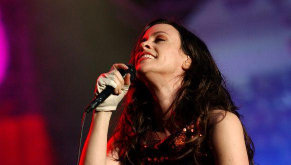 La cantante canadiense Alanis Morissette cumple 46 años. (Foto: Shutterstock)