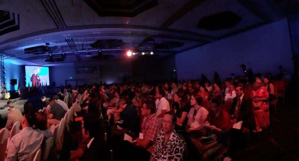 El Comercio constató que más de la mitad del auditorio del Hotel Los Delfines –que tiene sillas para más de 650 personas– se encuentra lleno. (Foto: Jonathan Castro)