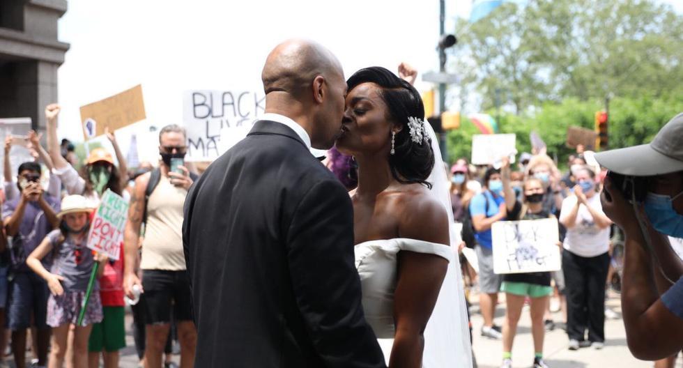 Kerry-Anne y Michael Gordon estaban en el juzgado convirtiéndose en esposos; sin embargo, la recepción de su boda fue más corta que la habitual debido a que deseaban unirse a la marcha y pelear por sus derechos. (Foto: ABC)