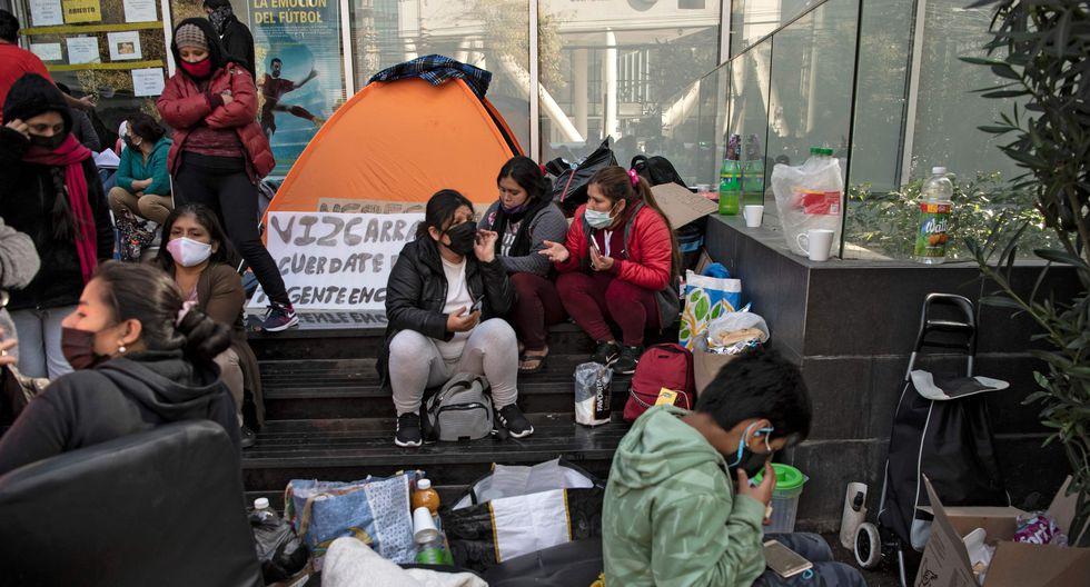 Semanas atrás, un grupo de 700 peruanos que estaba en Arica logró ingresar al Perú. (Foto referencial: AFP / Martin BERNETTI)