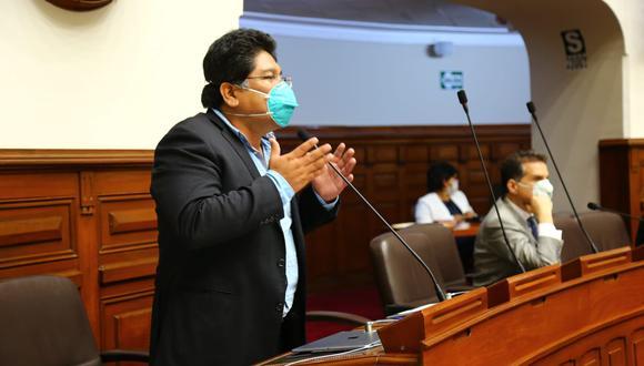 El congresista Rennán Espinoza señaló que se deben ver opciones para evitar las aglomeraciones en el próximo proceso electoral. (Foto: Congreso)