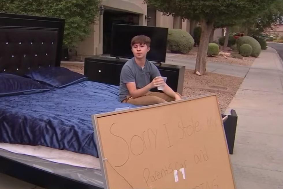 Foto 1 de 3 | El joven recibió un singular castigo por parte de sus padres. Tuvo que regalar todas sus cosas. | Foto: Jennifer Martinez FOX 10 / Facebook. (Desliza hacia la izquierda para ver más fotos)