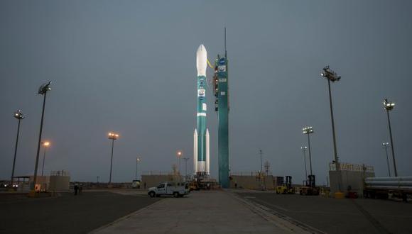 El cohete Delta 2 con el  satélite OCO-2 a bordo antes del lanzamiento. (AP)