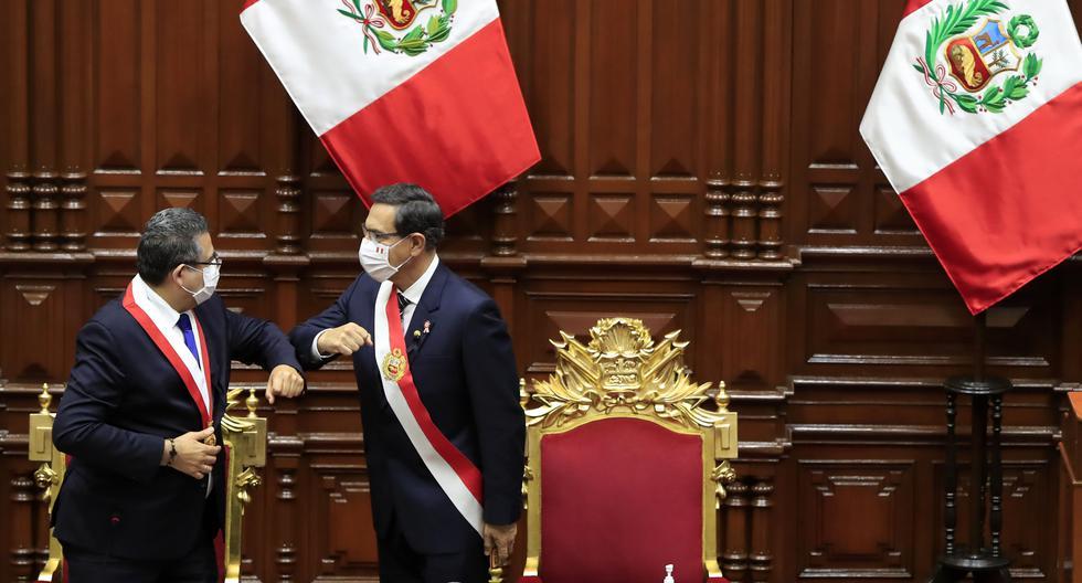 En su discurso, en lugar de puyas, Martín Vizcarra lanzó guiños y miradas concertadoras a los congresistas. (Foto: Presidencia de la República)