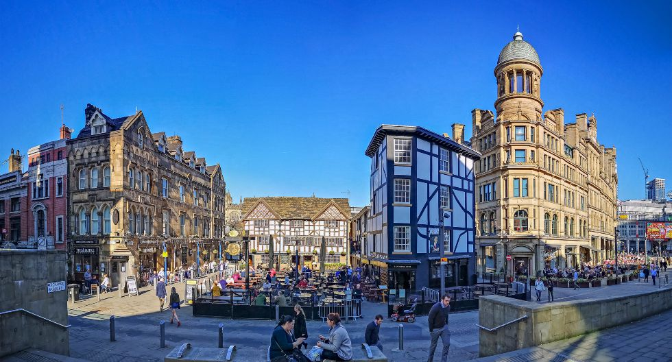 Manchester ocupa el sexto lugar del ranking. La ciudad inglesa atrae por sus espacios al aire libre, donde se organizan actividades. Por ejemplo, la plaza Shambles. A causa de la pandemia, los eventos públicos se retomarían en junio. / Foto: Shutterstock.