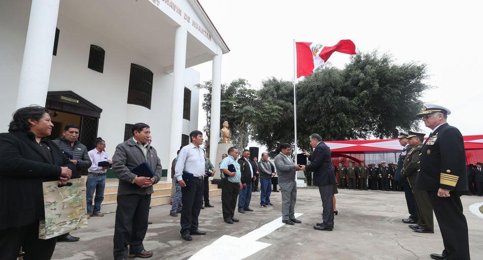 La ceremonia en la que se condecoró a los mineros de la operación Chavín de Huántar. (Foto: Mindef)