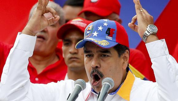 El presidente venezolano Nicolás Maduro habla durante un mítin antiimperialista por la paz, el sábado 23 de marzo de 2019, en Caracas, Venezuela. (AP Foto/Natacha Pisarenko).