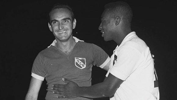 Míguez y Pelé en el amistoso entre Cristal y Santos. (Foto: Archivo Histórico El Comercio)
