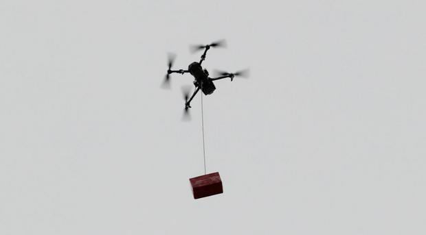El curso termina con la ejecución de una serie de ejercicios para demostrar el dominio de los drones. (Foto: Ministerio de Defensa)