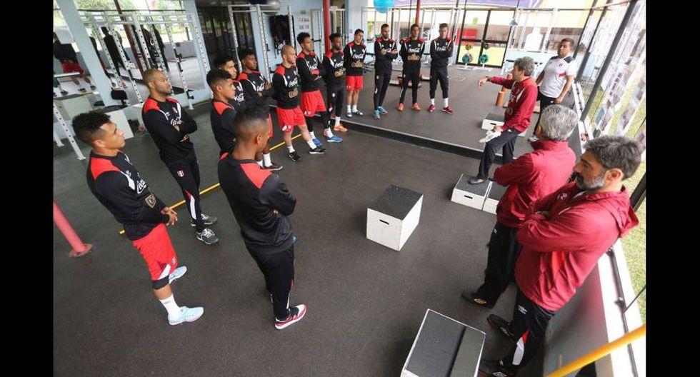 El entrenamiento se inició en el gimnasio de la Videna. (Foto: FPF)
