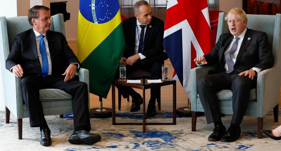 El presidente de Brasil, Jair Bolsonaro (izq), reunido en Nueva York con el primer ministro británico Boris Johnson. (EFE/ Alan Santos/Presidencia de Brasil).