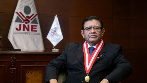 Jorge Luis Salas Arenas, presidente del JNE, ha recibido amenazas y protestas en su contra durante la campaña electoral. (Foto: archivo GEC)