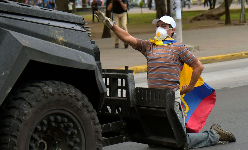 Ecuador está en estado de excepción desde el jueves, cuando el presidente Lenín Moreno dictó la medida debido a las protestas en todo el país. (AFP / RODRIGO BUENDIA).