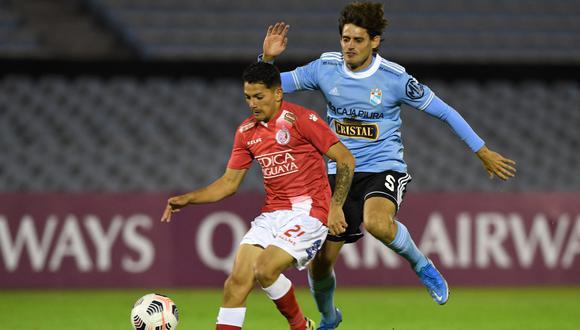Sporting Cristal no concretó las oportunidades que tuvo en ataque en el estadio Centenario de Montevideo por el Grupo E del torneo. (Foto: Reuters)