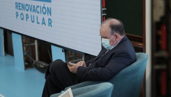 Rafael López Aliaga compartió en Twitter un comunicado de apoyo del Frepap. Desde el partido señalan que el documento difundido es falso. (Foto: Renzo Salazar / GEC)