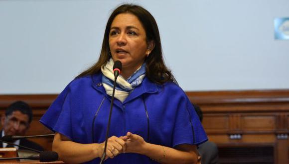 Marisol Espinoza, exlegisladora del periodo disuelto 2016-2019, reapareció en una reunión partidaria de Alianza para el Progreso (APP), pese a que en octubre del año pasado se informó que había sido expulsada. (Foto: GEC)