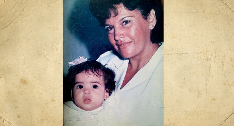 Doris Carhuanini de Ruiz . En la foto tenia 40 años, se dedicaba a su casa y a su familia, ahora tiene 4 hijos y 4 nietos.