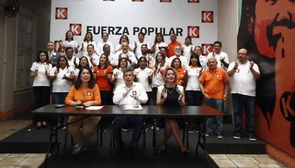 """""""Todos te vamos  a decir que nos hubiese encantado que Keiko [Fujimori] estuviera en la campaña"""", comentó Diethell Columbus, candidato por Lima tras la conferencia de prensa de Fuerza Popular. (Foto: César Campos / GEC)"""