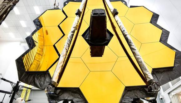 Cuando salga al espacio, el telescopio James Webb tratará de estudiar las galaxias desde la época del Big Bang. (NASA/CHRIS GUNN)