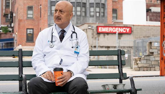 """Anupam Kher es el actor que interpreta a Kapoor en """"New Amsterdam"""" (Foto: NBC)"""