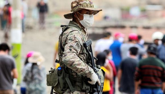 El estado de emergencia será prorrogada un mes, hasta el 31 de agosto. La presencia militar en las calles continuará. (EFE/ Juan Ponce Valenzuela)