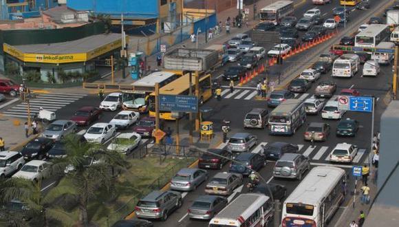 Choque en Av. Javier Prado causó 1 hora de congestión vehicular