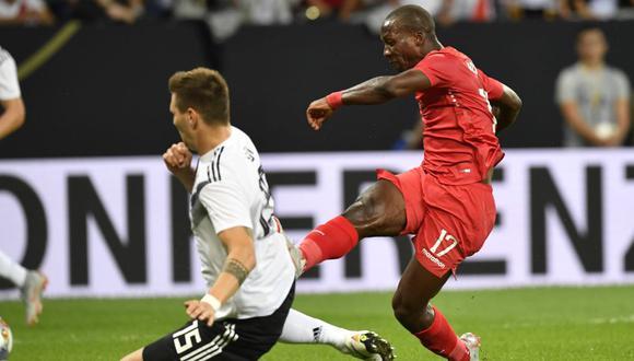 La selección peruana cayó por 2-1 en su visita a Alemania  en el Estadio Rhein-Neckar-Arena. Luis Advíncula fue el autor del único gol de la Blanquirroja (Foto: EFE)
