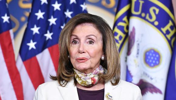 """Nancy Pelosi tilda de """"bazofia inconstitucional"""" las órdenes económicas de Donald Trump para mitigar la pandemia de coronavirus en Estados Unidos. (Foto: MANDEL NGAN / AFP)."""