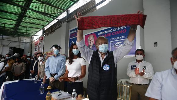 A pocos días de los comicios generales, la presión crece para candidatos de mediana preferencia electoral, como Hernando de Soto. (Foto: GEC)
