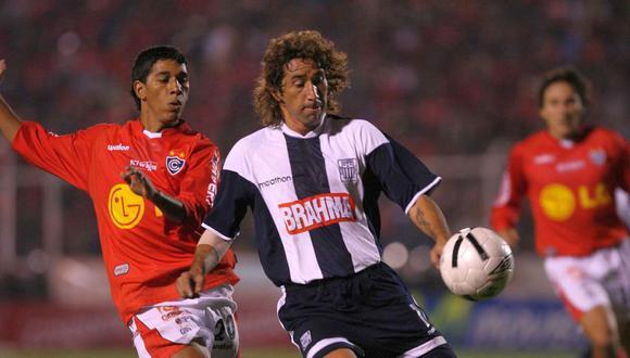 Rodrigo Pérez llegó para el Clausura 2006 y salió campeón nacional con Alianza Lima. (Foto: AFP)