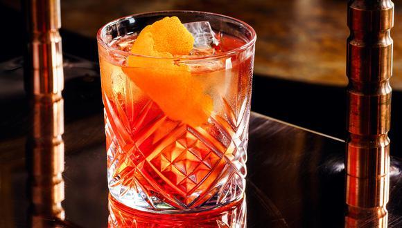 El negroni se creó a pedido de un conde italiano –el conde Camillo Negroni, cuyo nombre bautiza la bebida–, justo después de la I Guerra Mundial.