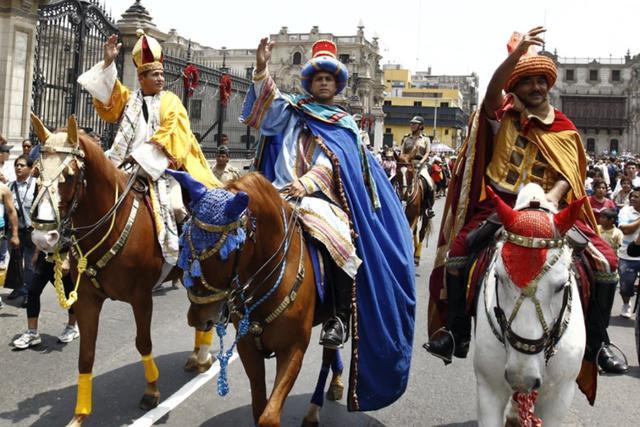 En Perú las autoridades realizan la tradicional cabalgata de los Reyes Magos. (Foto: Agencia Andina)