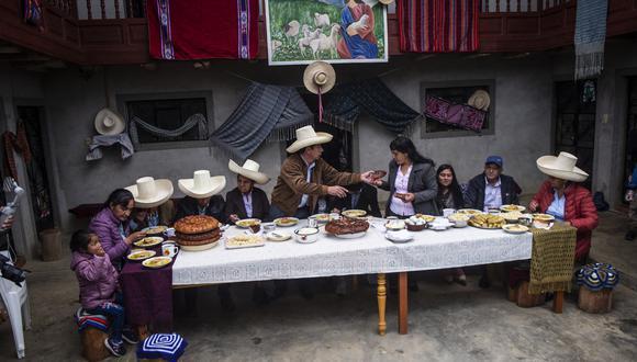 Durante el segundo desayuno electoral, Castillo Terrones aclaró que es católico, pero que su esposa y los integrantes de su familia profesan una religión evangélica cristiana. (Foto: Ernesto Benavides/ AFP)
