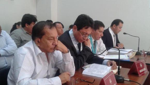 Piura: Exalcalde Talara, Rogelio Trelles Saavedra, irá a juicio oral por la investigación que se le sigue por, presuntamente, recibir una coima de 210 mil soles para favorecer a una empresa constructora en la adjudicación de la obra de un centro de salud.