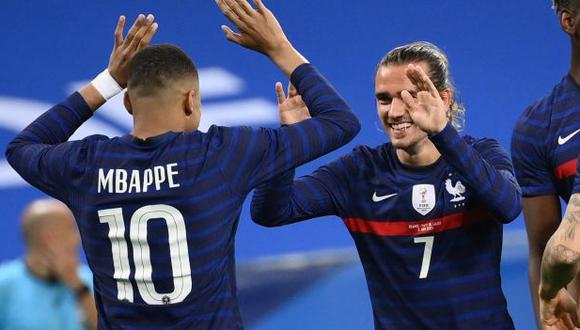 Mbappé y Griezmann protagonizaron un divertido diálogo en un viaje de la selección de Francia. (Foto: AFP)