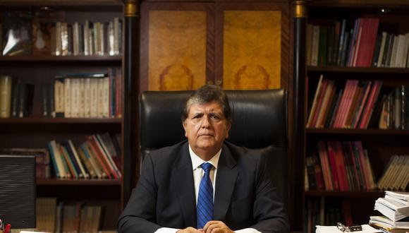 Expresidente Alan García durante una entrevista en las oficinas del Instituto de Gobernabilidad de la Universidad San Martín de Porres. FOTO VICTOR IDROGO