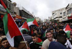 Masiva protesta en Ramala contra el plan de Trump y en apoyo al presidente palestino | FOTOS