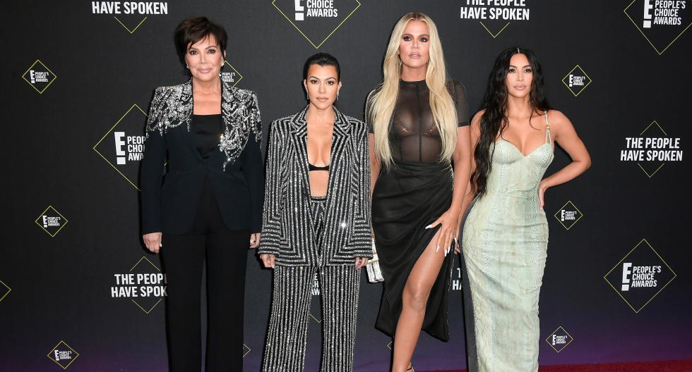 El clan Kardashian se hizo presente en los PCA 2019 con atuendos sensuales y muy brillantes. En esta galería, descubre a los diseñadores detrás de sus atuendos. (Foto: AFP)