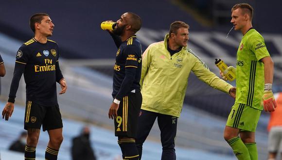 Arsenal cayó por 2-0 ante el Manchester City en el reinicio de la Premier League. (Foto: AFP)